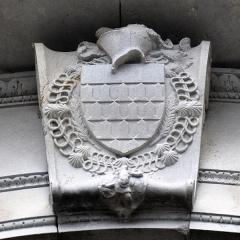 Château de la Bastie-d'Urfé - Français:   La bâtie d\'Urfé. Détail du blason.