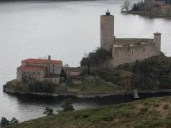Château de Grangent (restes) - English: Chateau of Grangent (Loire, France).