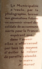 Monument aux morts - English:  Explanation of the special nature of this monument to the dead.