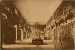 Ancien Collège de la Trinité, actuellement lycée Ampère - Français:   carte postale montrant l\'ancienne bibliothèque du College de la Trinité à Lyon, actuel Collège-lycée Ampère.