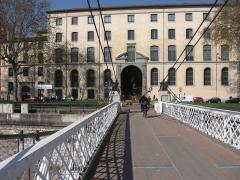 Ancien Collège de la Trinité, actuellement lycée Ampère -  Bridge in Lyon