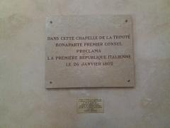 Ancien Collège de la Trinité, actuellement lycée Ampère - Français:   Plaque Bonaparte proclame la première république italienne.