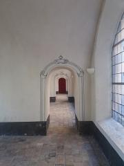 Ancien Collège de la Trinité, actuellement lycée Ampère - Français:   Couloir.