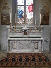 Eglise Saint-Just - Français:   Autel de la nef gauche.