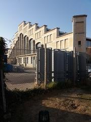 Ancien marché aux bestiaux des abattoirs de la Mouche, actuellement salle des fêtes et salle de concert dite halle Tony Garnier - Français:   Façade sud.