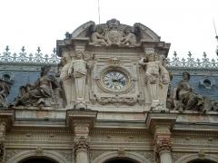 Palais du Commerce -  Guillaume Bonnet, horloge du palais de la Bourse, Lyon