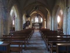 Eglise - Français:   Nef de l\'église Saint-Martin de Ville-sur-Jarnioux (Rhône, France).