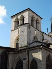 Eglise Notre-Dame-des-Marais - Français:   Depuis la place à l\'arrière de l\'église.