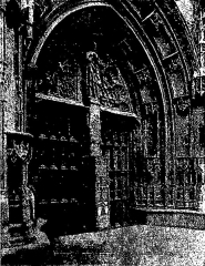 Eglise Notre-Dame-des-Marais - Français:   Porche de la collégiale Notre-Dame-des-Marais à Villefranche-sur-Saône; illustre les «vitraux du Moyen âge et de la Renaissance dans la région lyonnaise», de Lucien Bégule.