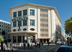 Bourse du travail - English: Bourse du travail, Lyon, France, 2015. 205 place Guichard, 69003, Lyon, France. Built: 1936.  Architect: Charles Meysson, municipal architect.