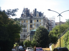 Hôtel Bernascon - English: The former « Hôtel Bernascon », now converted as apartments, at Aix-les-Bains on August 27, 2015, some days after the fire which damaged it during the night of August 18, 2015.
