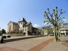 Hôtel de ville (ancien château des Marquis d'Aix) - English: Buildings in Aix-les-Bains, France.