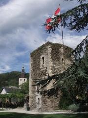 Tour sarrazine - Français:   Tour Sarrazine, vestige de l\'ancien château de Conflans, Albertville, Savoie, France.