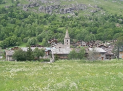 Eglise - English: Sight of French village of Bonneval-sur-Arc, first village of the Maurienne valley and so, very close to Italy, in Savoie.