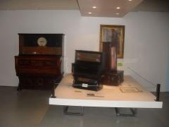Archevêché - English: A part of the temporary exhibition «En avant la musique» at the Musée Savoisien museum on October 11, 2014. It was the last temporary exhibition of the museum before its closure for renovation on December 13, 2014.