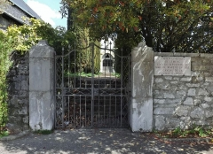 Eglise de Lemenc - English: Entrance of the old Lemenc graveyard, on the heights of Chambéry in Savoie.