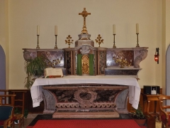 Hôtel-Dieu - English: Sight of the local marble-made altar situated in the Hôtel-Dieu chapel (hospital center) of Chambéry, in Savoie, France.