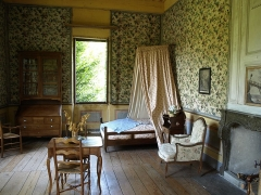 Maison des Charmettes - English: Bedroom of Les Charmettes building and museum of Chambéry (Savoie, France), where lived a couple of years the philosopher Jean-Jacques Rousseau in the 18th century.