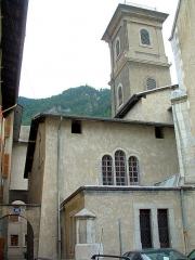 Cathédrale Saint-Pierre de Moûtiers - Français:   Moûtiers - Cathédrale Saint-Pierre - Chapelle latérale nord et tour orientale
