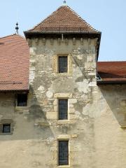 Château - Annecy, ville et préfecture du département de la Haute-Savoie (région Rhône-Alpes, France). Château: tourelle à escalier du Vieux Logis.