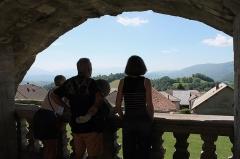 Château - Français:   Vue depuis le balcon du château de Clermont (Haute-Savoie).