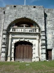 Château - Français:   vue de la porte a voute du chateau de Clermont-en-Genevois