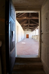 Château - Français:   Accès à une galerie intérieure du château de Clermont.