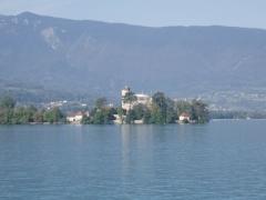 Domaine de Châteauvieux -  Blick von Talloires über den Lac d'Annecy zum Château de Duingt