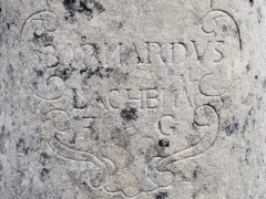 Croix de carrefour dite Croix de Verrières - Français:   Croix de Verrières à Neydens - Inscription