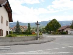 Croix de carrefour dite Croix de Verrières - Français:   Croix de Verrières à Neydens - Vue d\'ensemble