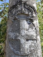 Croix de carrefour dite Croix de Verrières - Français:   Décorations de la croix du village de Verrières - Commune de Neydens   - Haute-Savoie