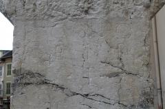 Inscription gallo-romaine - Français:   Croix de l\'église de Seyssel, Haute-Savoie.