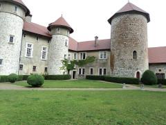 Château de Thorens, appelé par erreur Château de Sales -  Cortile interno