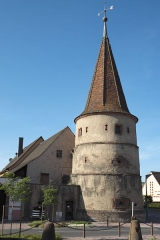 Ancienne enceinte fortifiée urbaine - Deutsch: Tour des fripons (Schelmenturm) in Ammerschwihr im Département Haut-Rhin (Elsass/Frankreich), aus dem 16. Jahrhundert