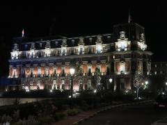 Hôtel du Palais - English: Biarritz la nuit - The hôtel du Palais (Pyrénées-Atlantiques, France).