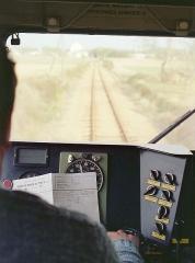 Ligne à voie ferrée métrique le Blanc-Argent (ou B.A.) sur le tronçon Luçay-le-Malé-Argy - Français:   Dans le poste de conduite de l'autorail Verney X211 du chemin de fer du Blanc-Argent, entre Luçay-le Mâle et Valençay le 14 octobre 1989.