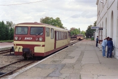 Ligne à voie ferrée métrique le Blanc-Argent (ou B.A.) sur le tronçon Luçay-le-Malé-Argy - Français:   L\'autorail Verney X213 en gare de Romorantin le 14 octobre 1989.