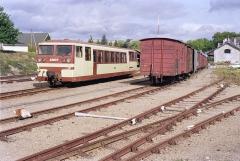 Ligne à voie ferrée métrique le Blanc-Argent (ou B.A.) sur le tronçon Luçay-le-Malé-Argy - Français:   L\'autorail Verney X 213 quitte la gare de Valençay le 14 ocotbre 1989.