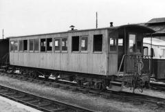Ligne à voie ferrée métrique le Blanc-Argent (ou B.A.) sur le tronçon Luçay-le-Malé-Argy - English: Blanc - Argent - Voiture ex-SE Allier en gare - ROMORANTIN (41)