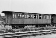 Ligne à voie ferrée métrique le Blanc-Argent (ou B.A.) sur le tronçon Luçay-le-Malé-Argy - English: ex SE Allier coach of Blanc - Argent Railway in Romorantin Station.