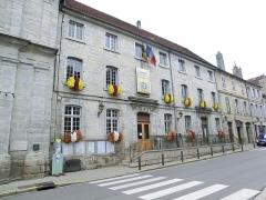 Ancien couvent des Ursulines, actuel Hôtel de Ville et tribunal - English: Arbois, Hôtel de ville