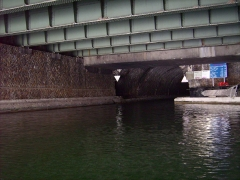 Canal Saint-Martin -  Accès au tunnel du canal Saint Martin à Bastille, sous les voies de la ligne 1 du métro de Paris