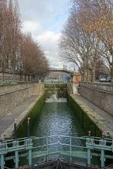 Canal Saint-Martin -  Canal Saint-Martin near the station Stalingrad