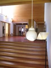 Maison de Louis Carré - English: Interior with natural light and lighting fixtures, Louis Carré House, by Alvar Aalto, Yvelines, France