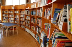 Bibliothèque pour enfants - Français:   Etagères
