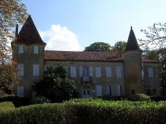 Château de Castelmore -  Château de Castelmore, à Lupiac, Gers. Photo prise par Jibi44. Ce château privé est le lieu de naissance du célèbre d'Artagnan, de son vrai nom Charles de Batz de Castelmore.