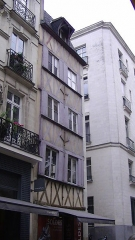 Immeuble - English: Medieval timber-framed house at 2 rue de la Fosse, Nantes