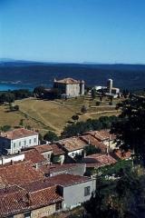 Château -  Château d'Aiguines in Aiguines am Stausee Lac de Sainte-Croix   im Naturpark Verdon (Departement Var,Provence-Alpes-Côte d'Azur).