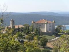 Château - Français:   Vue sur le château d\'Aiguines depuis le sommet du village