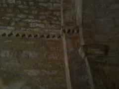 Chapelle Saint-Estève - English: Rians Chapel Saint Esteve - Inside view detail of the cornice from the apse